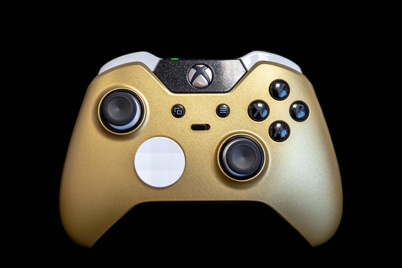 Xbox One Elite Gold/White